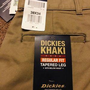 Dickies Pants - Men's Dickie's Regular Fit Khaki Pants
